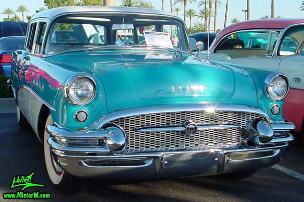 Photo of a turquoise 1955 Buick Stationwagon at the Scottsdale Pavilions Classic Car Show in Arizona. Turquoise 1955 Buick Wagon