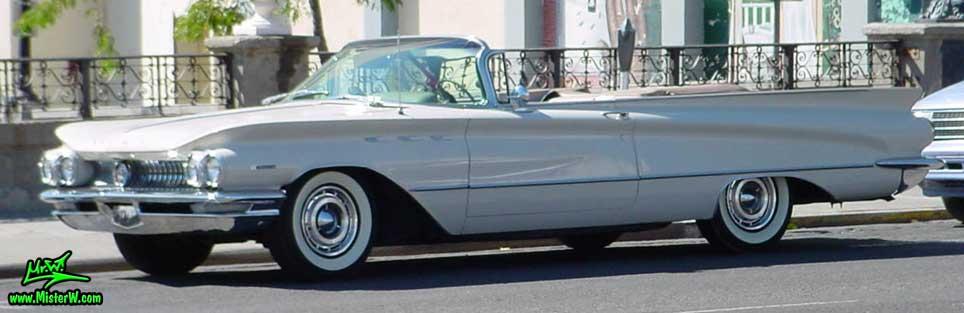 Photo of a white 1960 Buick Invicta Convertible in Reno, Nevada. White 1960 Buick Cabrio
