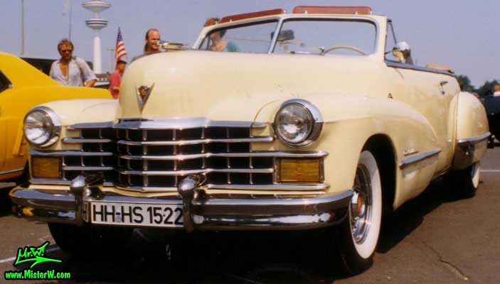 Photo of a cream colored 1947 Cadillac Series 62 Convertible at the Wheels Nationals classic car meeting in Hamburg, Germany. 1947 Cadillac Series 62 Convertible