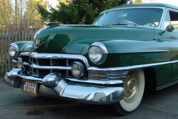 Photo of a green 1952 Cadillac Fleetwood Series 60 Special Sedan 4 Door Hardtop, provided by Chris from Starnberg, Germany. 1952 Cadillac Front Bumper