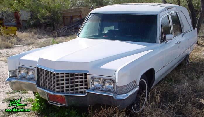 Photo of a white 1970 Cadillac Hearse in Tucson, Arizona. 1970 Cadillac Hearse