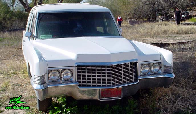Photo of a white 1970 Cadillac Hearse in Tucson, Arizona. 1970 Cadillac Hearse Frontview