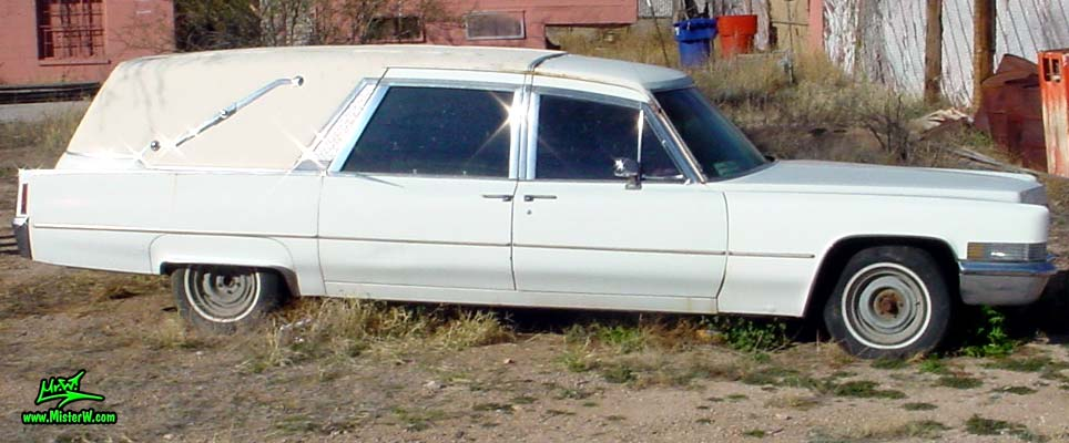Photo of a white 1970 Cadillac Hearse in Tucson, Arizona. 1970 Cadillac Wagon