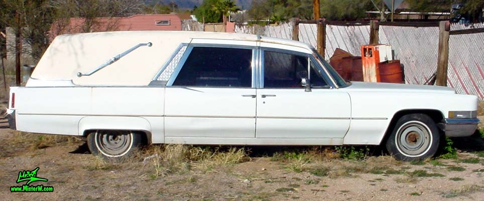 Photo of a white 1970 Cadillac Hearse in Tucson, Arizona. White 70 Cadillac Hearse Sideview
