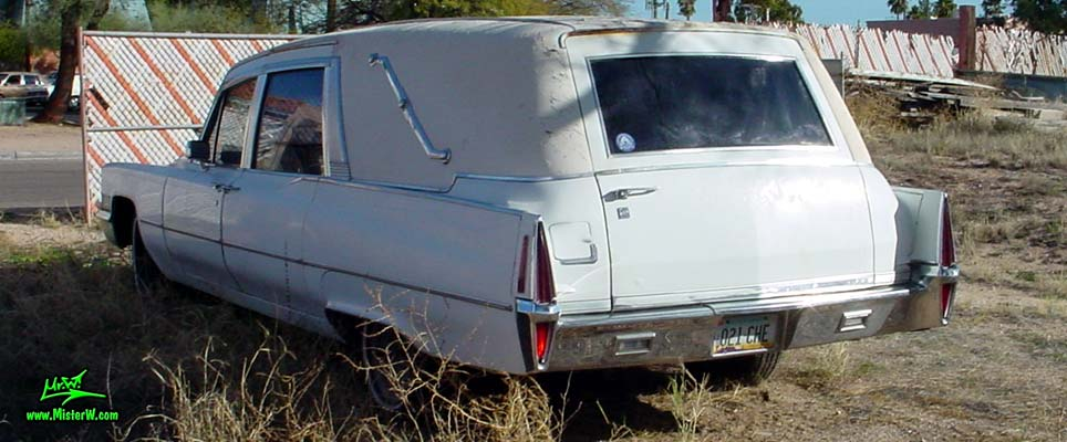 Photo of a white 1970 Cadillac Hearse in Tucson, Arizona. White 70 Cadillac Superior 3-Way Hearse