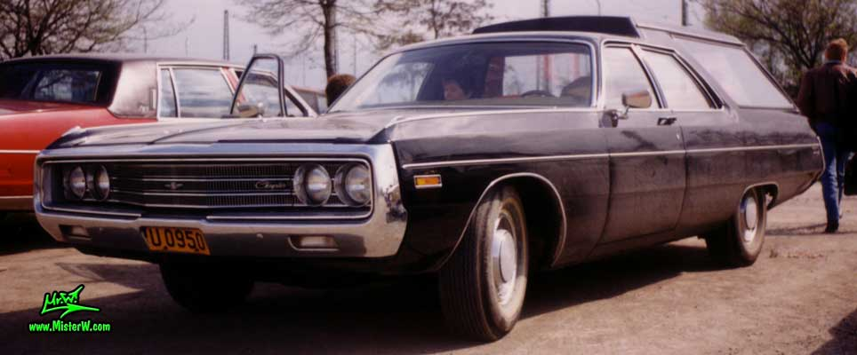 Photo of a black 1971 Chrysler Hearse at a Classic Car Meeting in Frankfurt, Germany. 1971 Chrysler Hearse