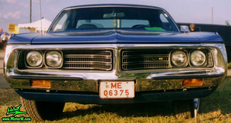 Chrome Grill Of A 1972 Chrysler New Yorker Coupe 1972