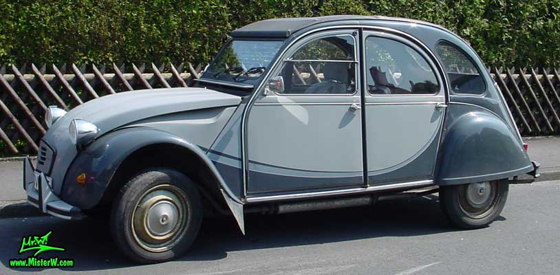 Photo of a grey Citroen 2CV 4 Door Hardtop Sedan in Kassel, Germany. 2CV