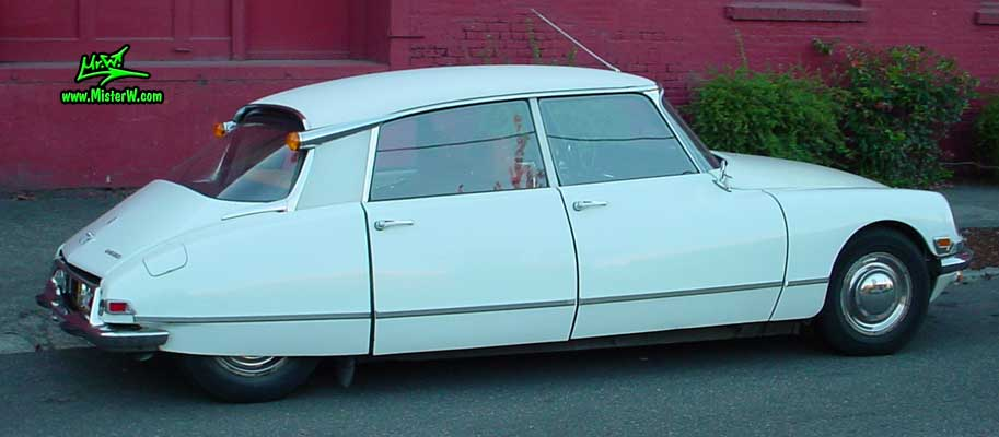 Photo of a white Citroen DS 4 Door Hardtop Sedan in Portland, Oregon. White Citroen DS Sideview