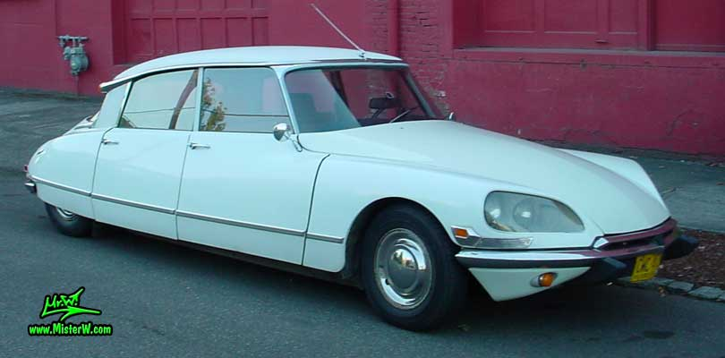 Photo of a white Citroen DS 4 Door Hardtop Sedan in Portland, Oregon. White Citroen DS in Portland