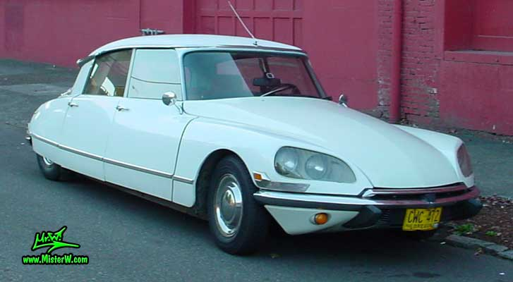 Photo of a white Citroen DS 4 Door Hardtop Sedan in Portland, Oregon. White Citroen DS Frontview