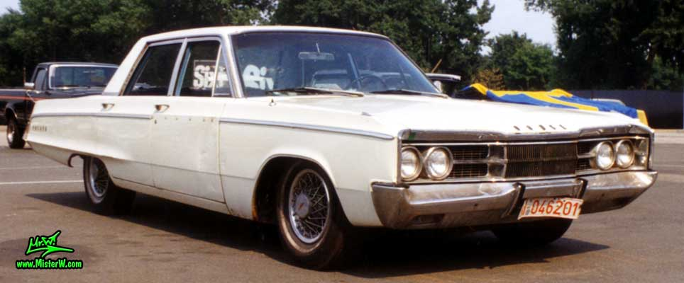 Photo of a white 1967 Dodge Polara 4 Door Hardtop Sedan at the Wheels Nationals Classic Car meeting in Hamburg, Germany. 1967 Dodge Polara Frontview