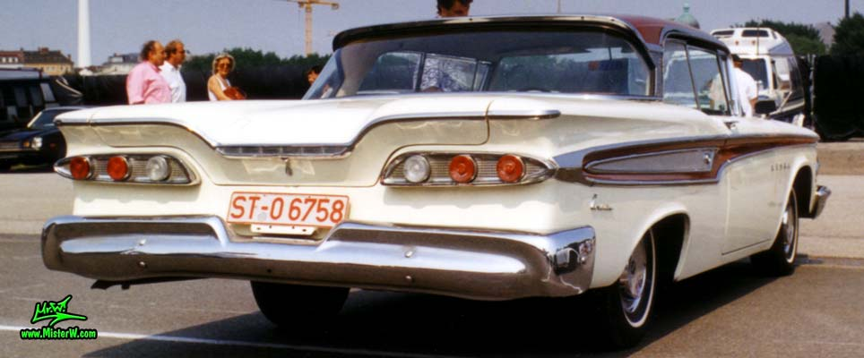 Photo of a white & red 1959 Edsel Corsair 2 Door Hardtop Coupe at a Classic Car Meeting in Germany. 59 Edsel Corsair Rearview