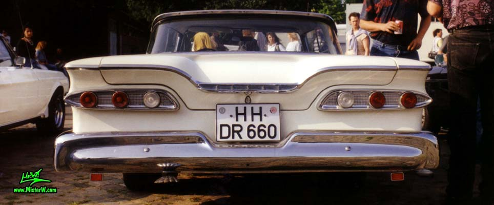Photo of a white & red 1959 Edsel Ranger 2 Door Hardtop Coupe at a Classic Car Meeting in Germany. 1959 Edsel Ranger Coupe Rearview