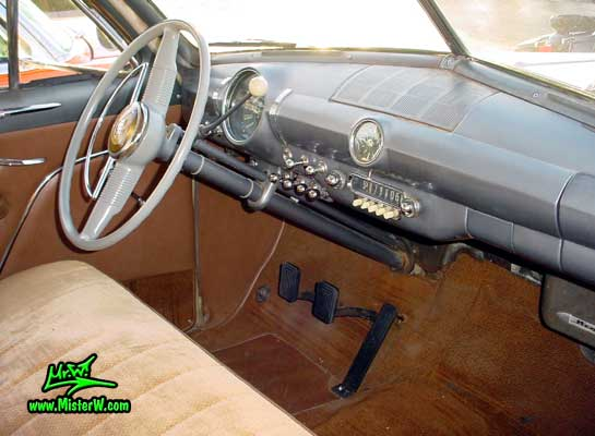 1949 Ford Dashboard & Interior