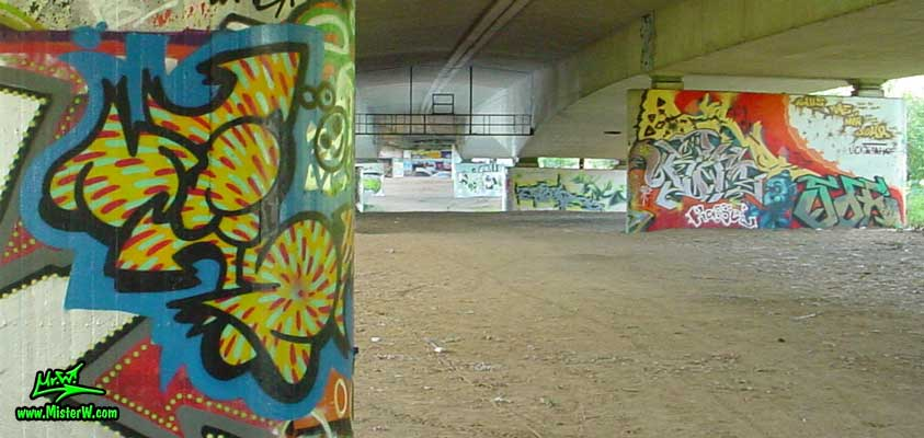 Graffiti-Hall-Of-Fame under the Autobahn A-49 Mr.W. Fun Bubble