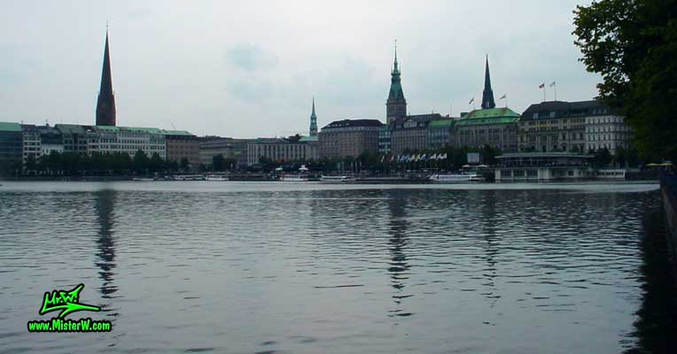 Photo of the inner Alster lake (Binnen Alster) in Hamburg taken from Neuer Jungfernstieg in summer 2003 Binnen Alster in Hamburg