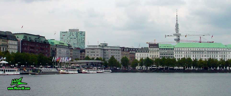 Photo of the Jungfernstieg on the inner Alster lake (Binnen Alster) in Hamburg, taken from Ballindamm, summer 2003 Alster & Jungfernstieg in Hamburg, Deutschland
