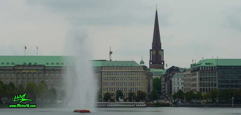Photo of the Hapag Loyd Building, situated at No. 25 Ballindamm & the St. Jacobi church, 125 m (410 ft) build 1963, summer 2003 Hapag Lloyd Building Ballindamm Alster Hamburg
