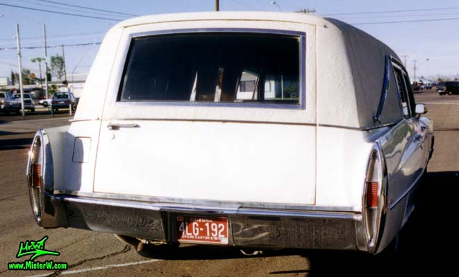 Photo of a white 1968 Cadillac Hearse in Arizona. 68 Caddy Hearse Backdoor