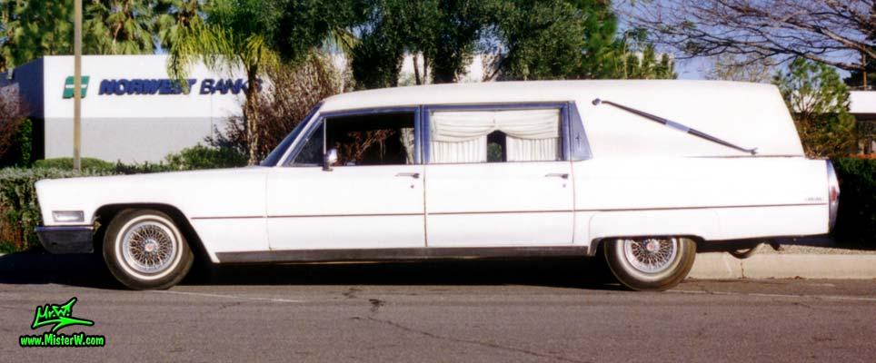 Photo of a white 1968 Cadillac Hearse in Arizona. 68 Caddy Hearse sideview