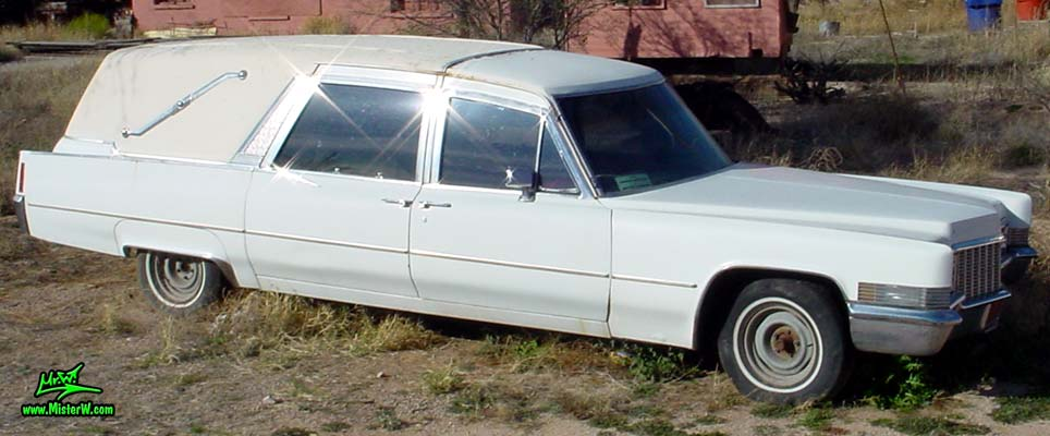 Photo of a white 1970 Cadillac Hearse in Tucson, Arizona. 1970 Hearse with Suicide Doors