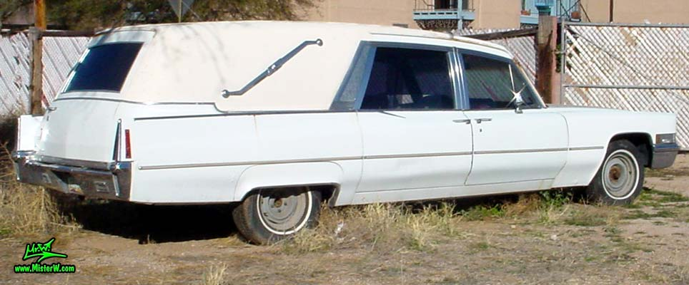 Photo of a white 1970 Cadillac Hearse in Tucson, Arizona. White 3-Way Hearse