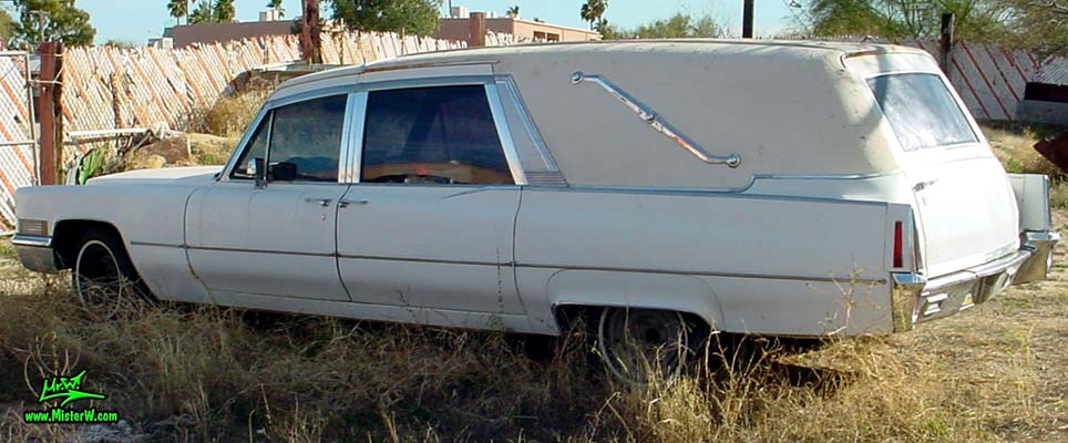 Photo of a white 1970 Cadillac Hearse in Tucson, Arizona. Caddy Hurst