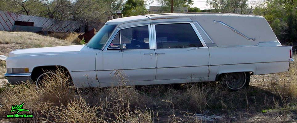 Photo of a white 1970 Cadillac Hearse in Tucson, Arizona. 1970 Cadillac Superior 3-Way Side Loader