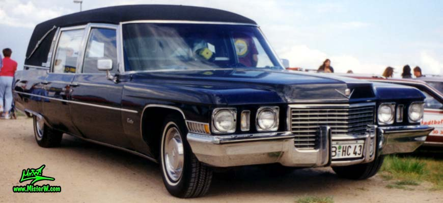 Photo of a black 1972 Cadillac Hearse at a Classic Car Meeting in Germany. 72 Caddy Hearse frontview