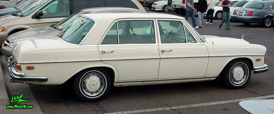 Photo of a white Mercedes Benz W108 W109 4 Door Hardtop Sedan at the Scottsdale Pavilions classic car show in Arizona. White Mercedes-Benz W108 / W109