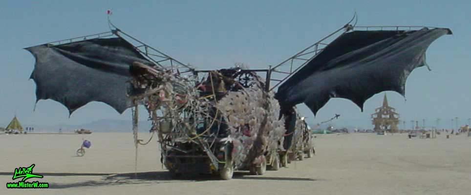 Photo of Draka the Dragon Mutant Vehicle / Art Car by Lisa Nigro in Black Rock City, Nevada, 2002. Draka Frontview