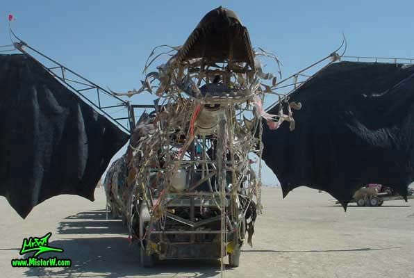 Photo of Draka the Dragon Mutant Vehicle / Art Car by Lisa Nigro in Black Rock City, Nevada, 2002. Draka's Head