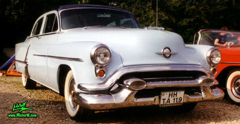 1953 Oldsmobile 88 Sideview