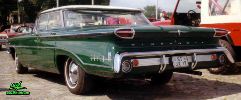 Photo of a green 1960 Oldsmobile 4 Door Hardtop Sedan at a Classic Car Meeting in Germany. 1960 Oldsmobile