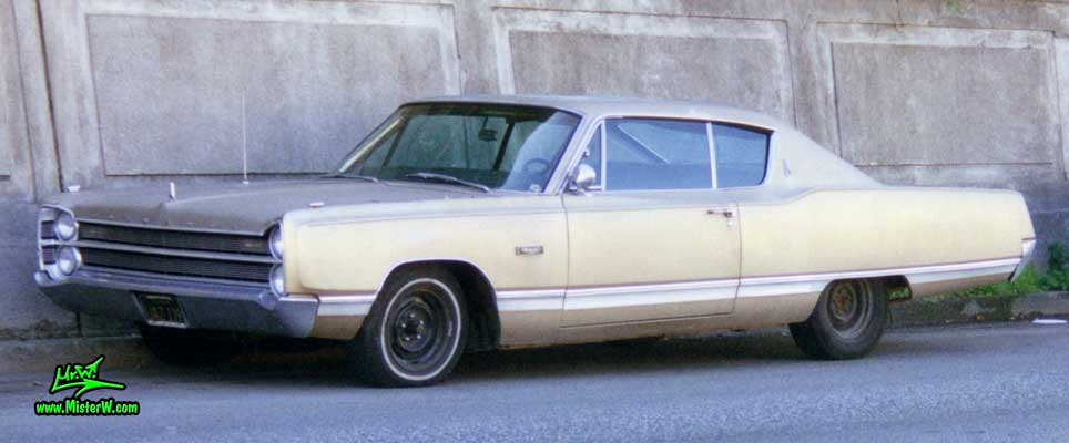 Photo of a gold brown 1967 Chrysler Plymouth 2 Door Hardtop Coupe in San Francisco, California. 1967 Plymouth Coupe