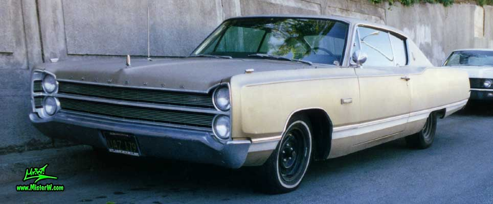 Photo of a gold brown 1967 Chrysler Plymouth 2 Door Hardtop Coupe in San Francisco, California. 1967 Plymouth Front View