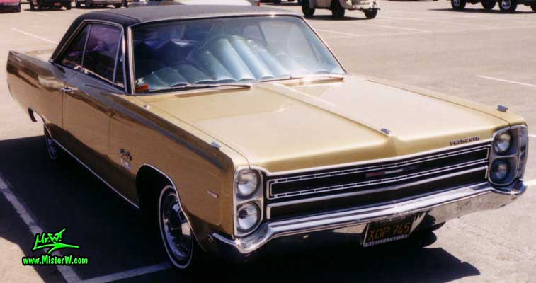 Photo of a gold brown 1968 Chrysler Plymouth Sport Fury 2 Door Hardtop Coupe at the San Diego Auto Swap & Show at the Qualcomm Stadium. 1968 Plymouth Sport Fury Coupe