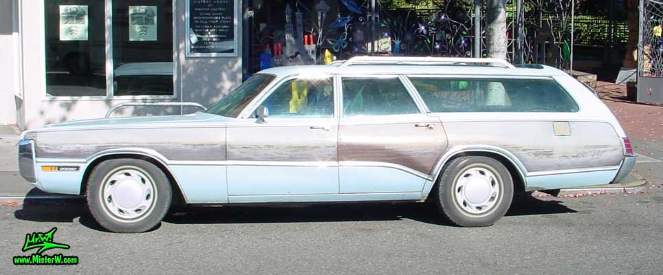 Photo of a blue 1972 Chrysler Plymouth Station Wagon in Seattle, Washington. 1972 Plymouth Statiowagon