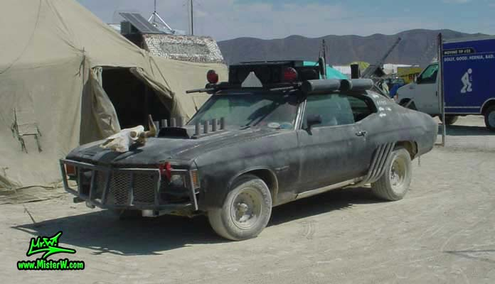 Post Apocalyptic Mad Max Wasteland Road Warrior Sideview
