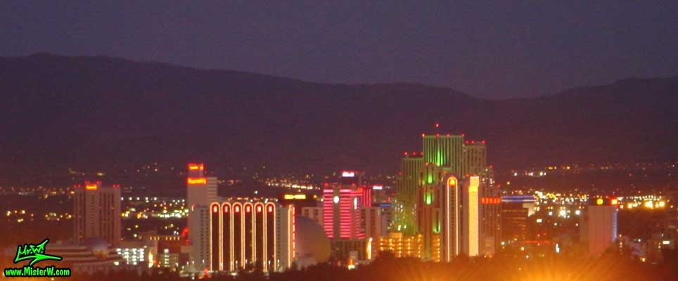 Skyline of Reno at night