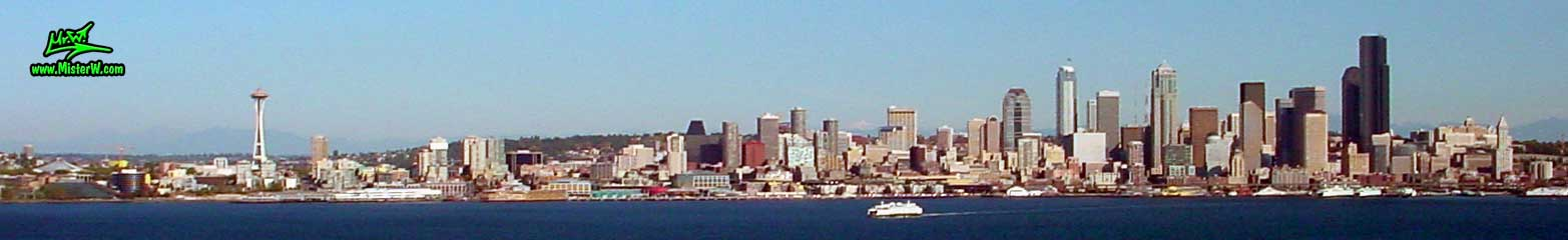 Photo of the Space Needle & downtown Seattle taken from the Hamilton Viewpoint Park, summer 2002  Skyline of Seattle, Washington