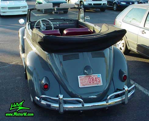 Photo of a grey Volkswagen Käfer (Bug or Beetle) Convertible at the Scottsdale Pavilions Classic Car Show in Arizona.